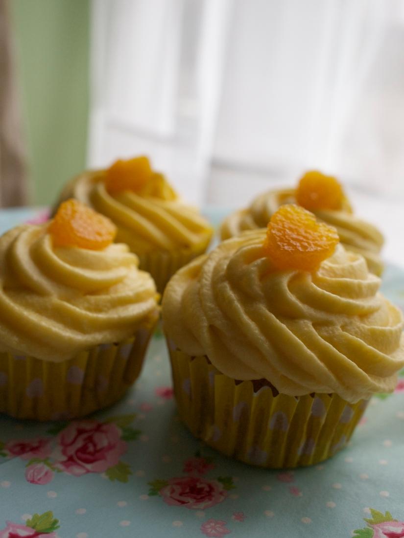 Mango Love cupcakes