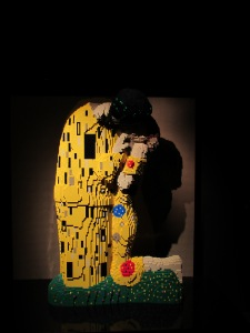 Gustav Klimt's The Kiss by Nathan Sawaya